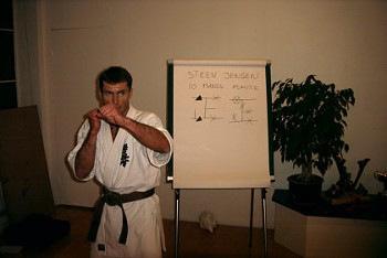 12-steen-10-mands-kumite